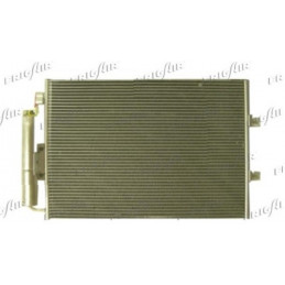 0809.3061 Condenseur de climatisation Renault Twingo 2 94,50 €